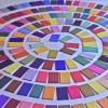 Farbspirale, gelegt mit Farbtäfelchen